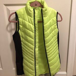 Xersion lime green and black puffer vest